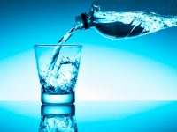 L'acqua minerale può essere assunta in una dieta ipocalorica