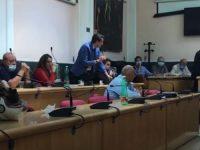 """Casoria. Consiglio comunale: """"il sindaco dichiari il dissesto finanziario per costruire una città a livello europeo"""""""