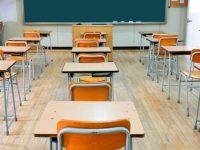 Scuola, in classe tornano i più piccoli in un clima di incertezza