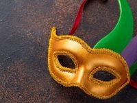 De Luca con ordinanza chiude il Carnevale