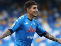 Il Napoli batte il Crotone e tiene vivo più che mai il sogno Champions
